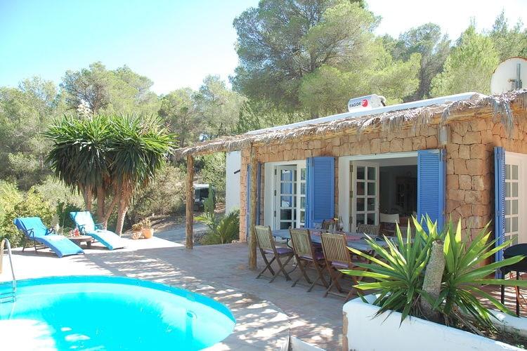 Ibiza Vakantiewoningen te huur Een fantastische plek met uitzicht over een vallei en nabij prachtige stranden