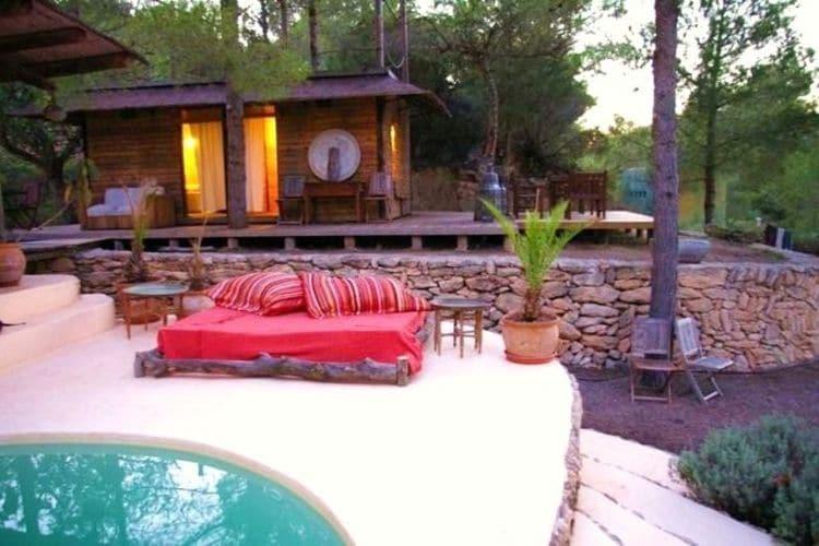 Ibiza Vakantiewoningen te huur Bijzondere Balinese villa in het zuiden van Ibiza