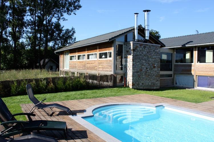 Vakantiehuis met zwembad met wifi  RobertvilleLes Pierres du Lac