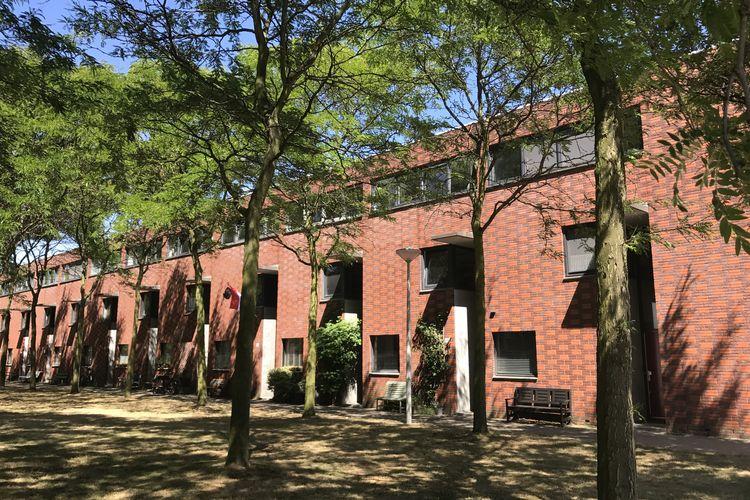 Amsterdam Vakantiewoningen te huur Modern familiehuis met tuin in Amsterdam, dichtbij Schiphol, gratis parkeren