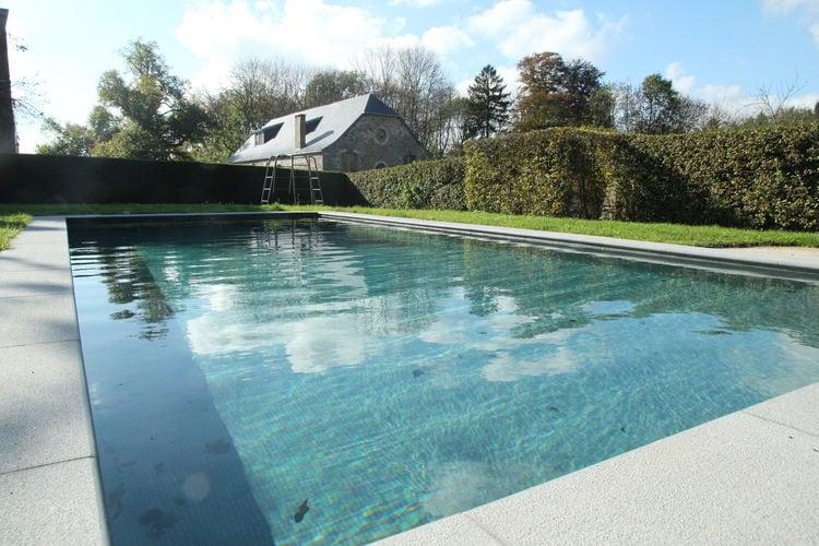 Namen Vakantiewoningen te huur Gite met zwembad op een prachtig kasteeldomein in Gesves, bij Namen