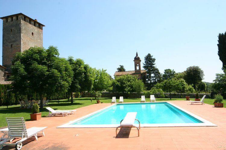 Italie | Toscana | Kasteel te huur in Sovicille-Toiano met zwembad  met wifi 2 personen