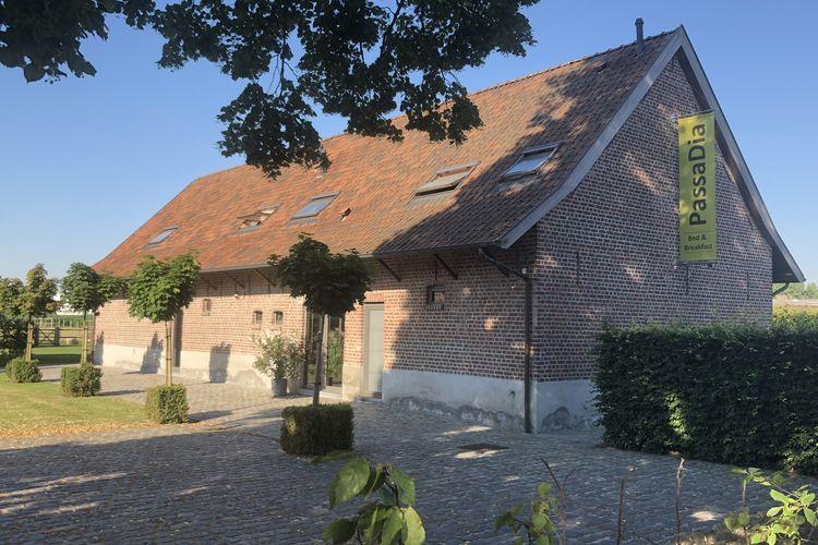 Vakantiehuis  met wifi  ZwevegemHoeve tussen Leie en Schelde