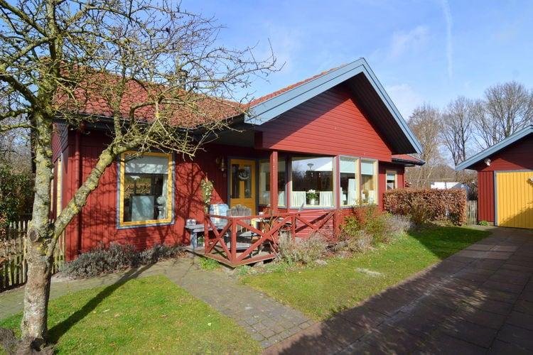 Vakantiewoning huren in Wilhelminaoord -   met wifi  voor 4 personen  Leuk vrijstaand houten huis, rusti..