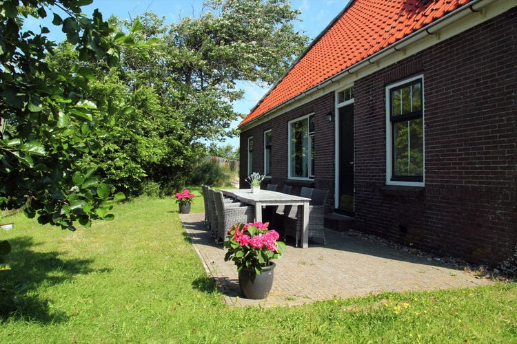 Holland | North Sea Coast North | Holiday home De Vossehoeck II | all year | TerraceBalcony
