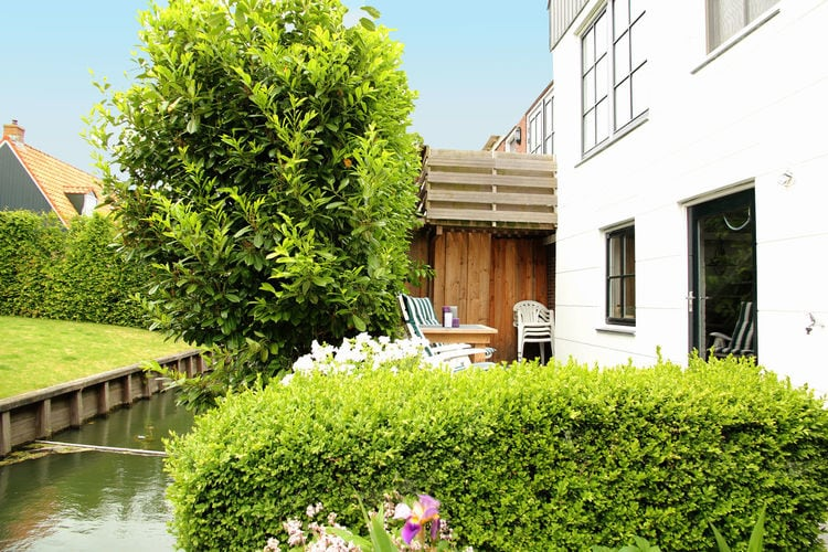Holland | North Sea Coast North | Holiday home Aan de Haven | all year | TerraceBalcony
