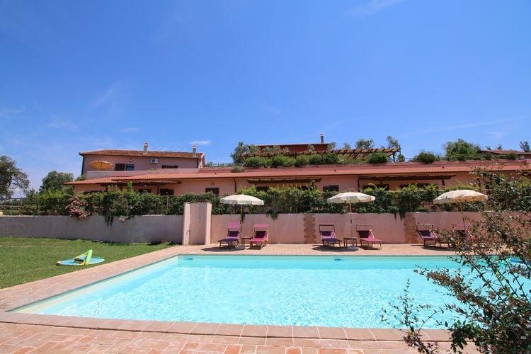 Boerderij met zwembad met wifi  LazioAlloro