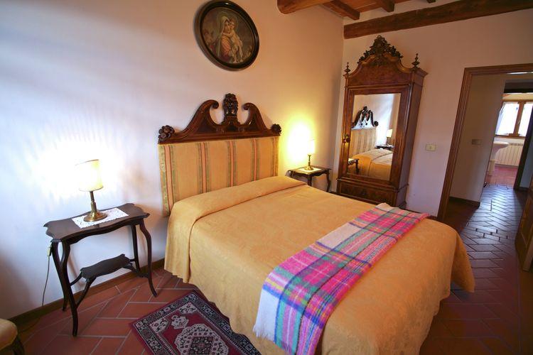 Vakantiehuizen Italie | Toscana | Boerderij te huur in Poppi met zwembad  met wifi 6 personen