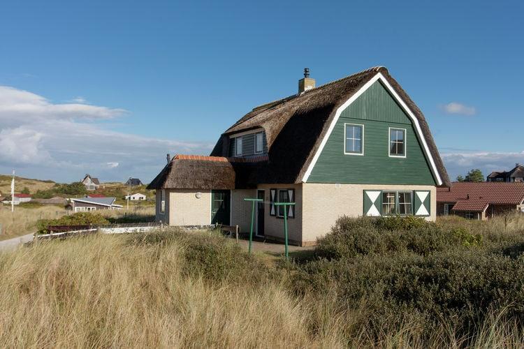 Villa  met wifi  Vlieland  Mooi vakantiehuis met rieten dak op steenworp afstand van Vlieland