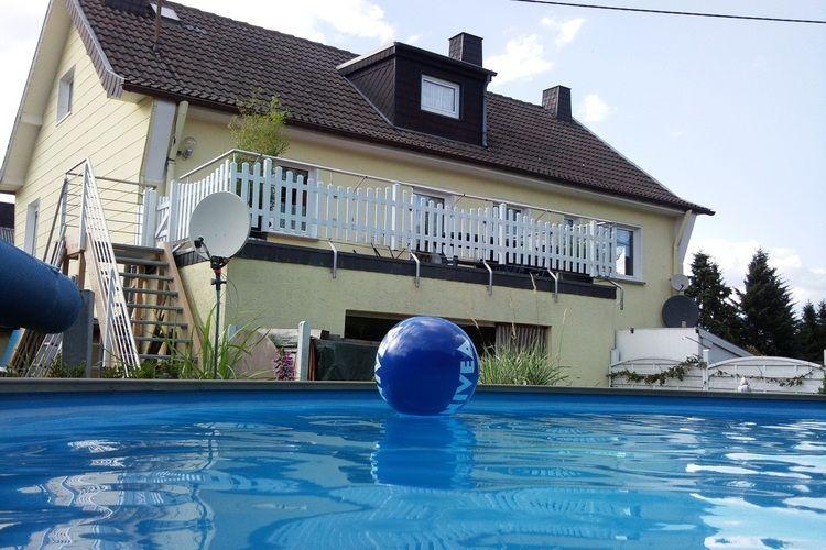 Hellenthal Vakantiewoningen te huur Uniek vakantiehuis in de Eifel met eigen verwarmd buitenzwembad en sauna