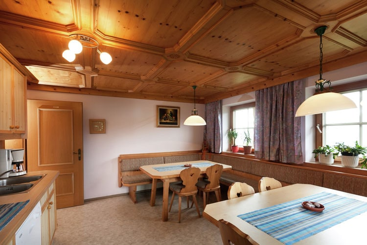 Ref: AT-5742-30 5 Bedrooms Price