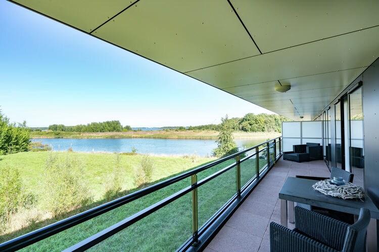 Veerse-Meer-Arnemuiden Vakantiewoningen te huur Ruim en luxe appartement aan het meer bij Veere