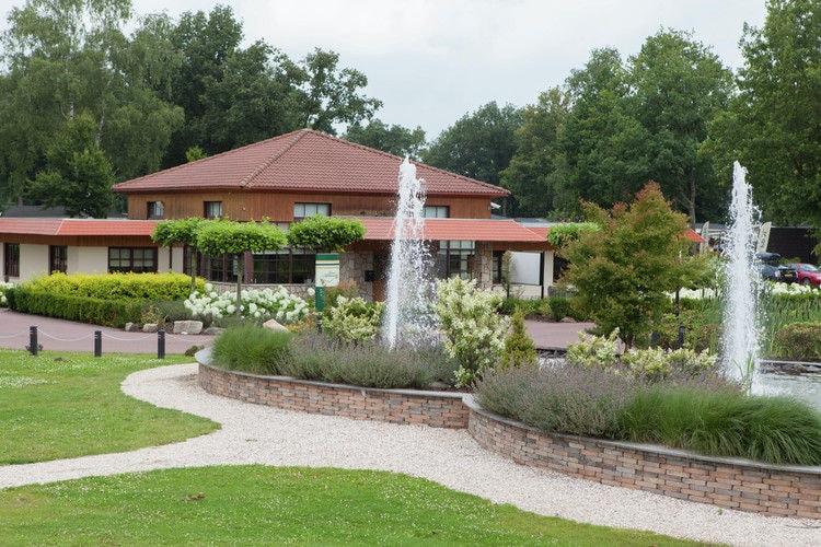 Chalet Nederland, Limburg, Susteren Chalet NL-6114-19