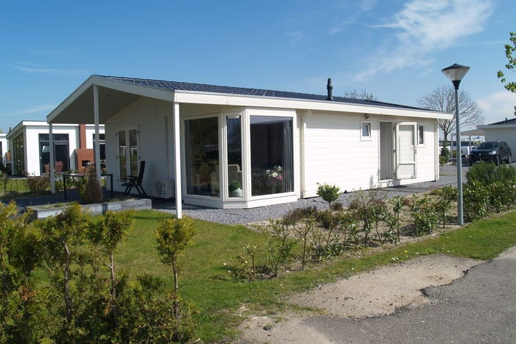 Vakantiehuizen Nederland | Limburg | Chalet te huur in Susteren met zwembad  met wifi 6 personen