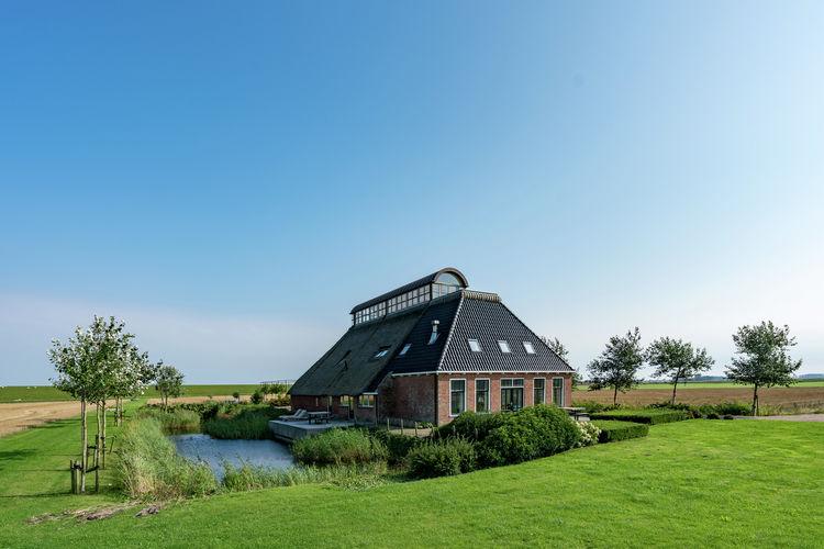 Friesland Boerderijen te huur Vakantieboerderij in Nes met hottub, Friesland achter de dijken van de Waddenzee