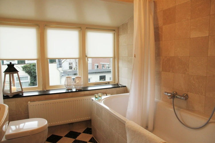 Holland | North Sea Coast South | Holiday home Aan de Lange Dam | all year | BathRoom