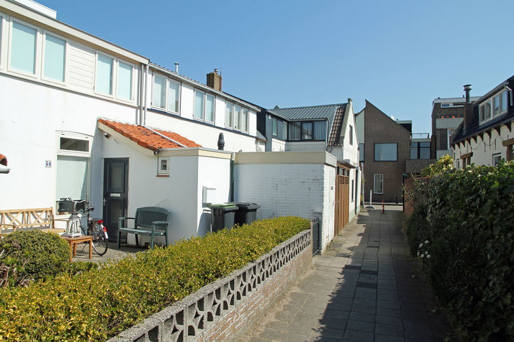 Holland | North Sea Coast South | Holiday home Aan de Lange Dam | all year | ExteriorSummer