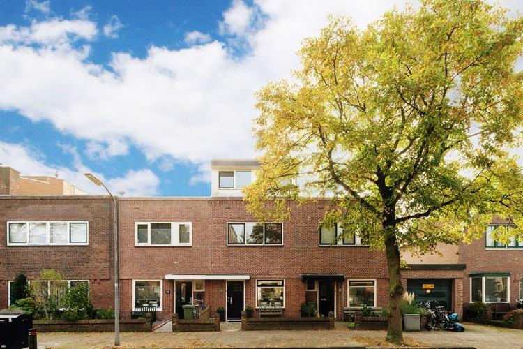 Vakantiewoning  met wifi  Haarlem  Modern vakantiehuis in rustige buurt van Haarlem, op fietsafstand van het strand
