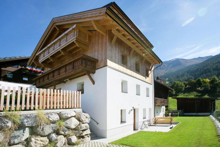 Vakantiehuizen Oostenrijk | Tirol | Appartement te huur in Fendels    8 personen
