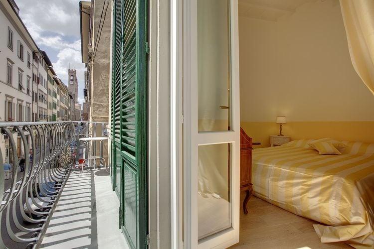 Toscana Appartementen te huur Het appartement is gelegen in het historische centrum van Florence.