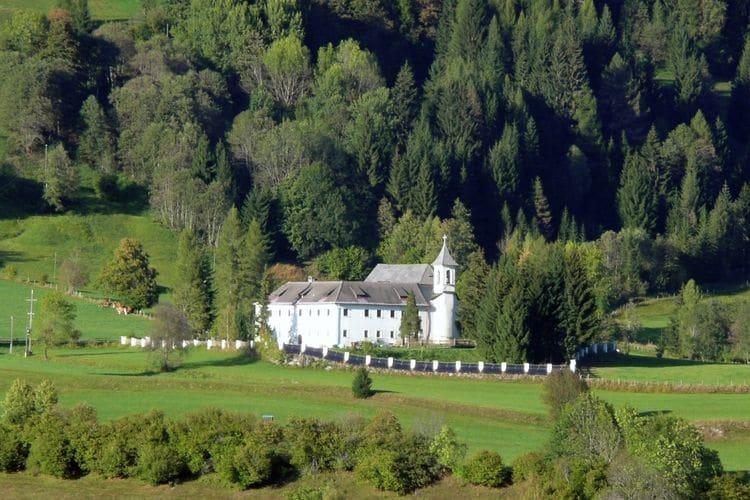 Kasteel huren in  -   met wifi  voor 31 personen  Dit oude kasteel uit 1754, uitgeru..