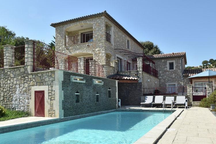 Villa met zwembad met wifi  Saint-Ambroix  Villa des 4 vents A  for 10 adults and 2 children