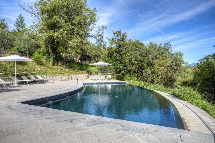 Vakantiehuizen Italie | Toscana | Boerderij te huur in Poppi met zwembad  met wifi 4 personen