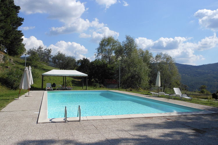 Vakantiehuizen Italie | Toscana | Boerderij te huur in Rufina met zwembad  met wifi 4 personen