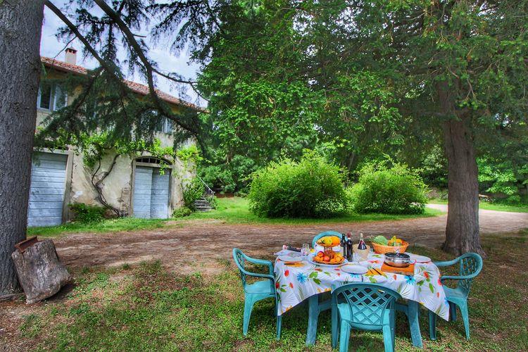 Toscana Vakantiewoningen te huur Sfeervol vakantiehuis in een vleugel van een oude wijnboerderij op een landgoed