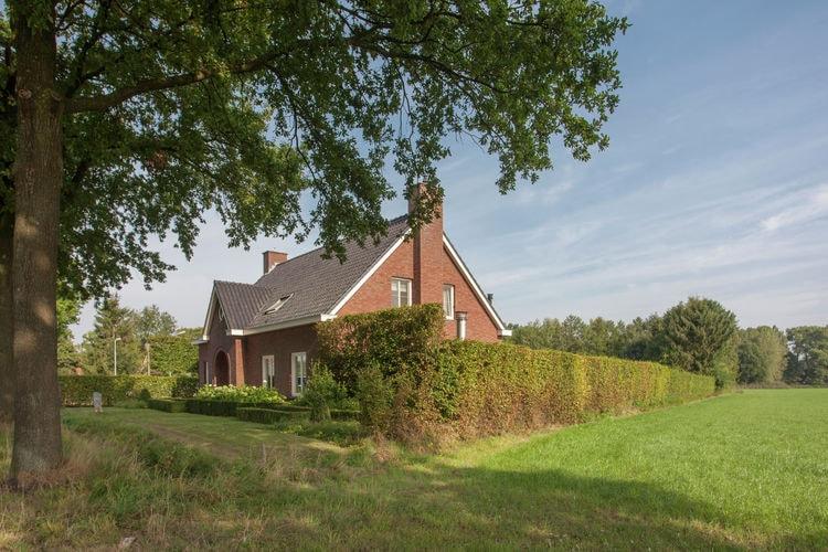 Leende Vakantiewoningen te huur Luxe vakantiehuis met wellness, midden in Noord-Brabants natuurgebied bij Leende