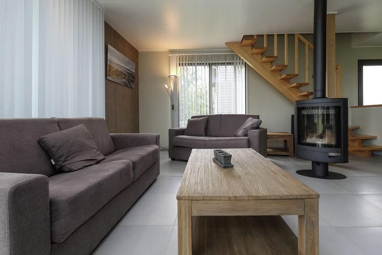 Vakantiewoning  met wifi  Boussu lez Walcourt  Luxe villa met sauna en houtkachel, op domein met diverse faciliteiten