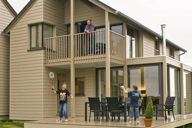 Ref: BE-6440-14 4 Bedrooms Price