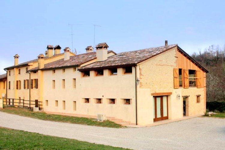Italie | Veneto | Boerderij te huur in Asolo   met wifi 8 personen
