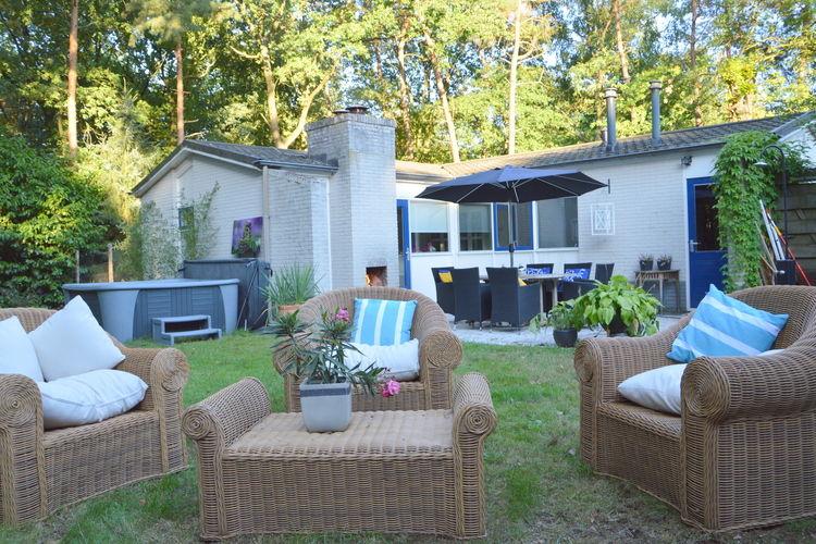 Overijssel Villas te huur Vrijstaande villa met omheinde bostuin met speelgazon, jacuzzi en infraroodsauna