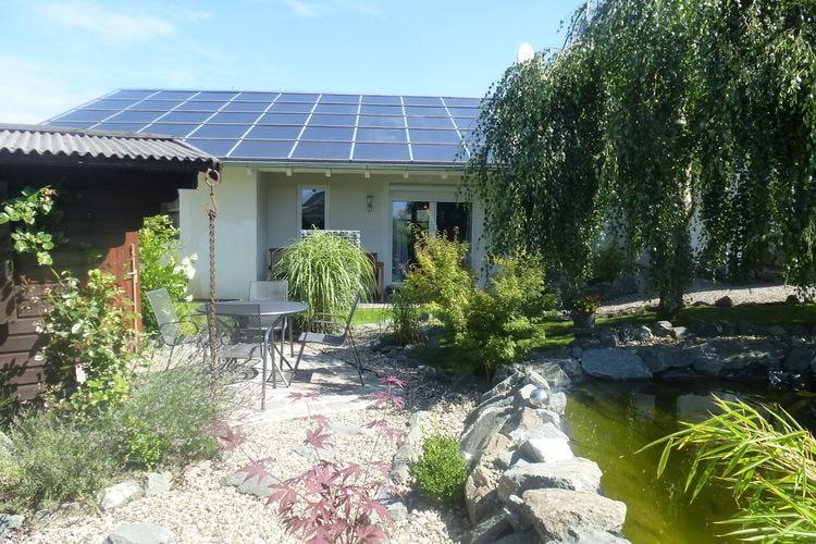Vakantiewoning  met wifi  Frankenberg/ Eder  Zeer rustig gelegen comfortabel vakantiehuis met terras, tuin en vijver
