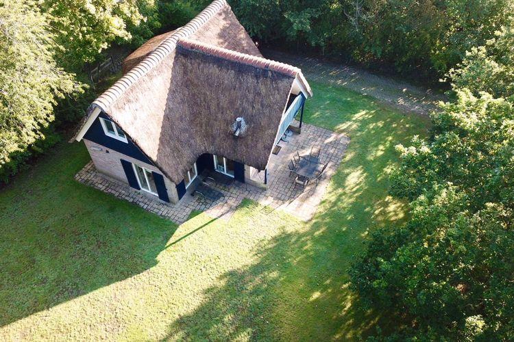 Villa  met wifi  De Koog-Texel  Heerlijk vakantiehuis met rieten dak op een rustige plek nabij de Koog op Texel