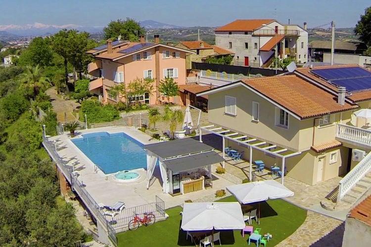 Woning Italie | Abruzzo | Vakantiehuis te huur in Santomero met zwembad  met wifi 6 personen