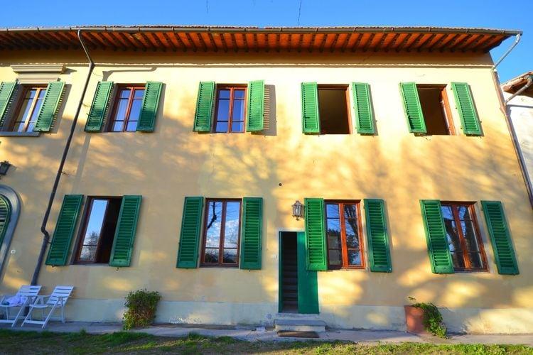 Toscana Vakantiewoningen te huur Woning op begane grond met zwembad midden in de natuur vlakbij Florence.