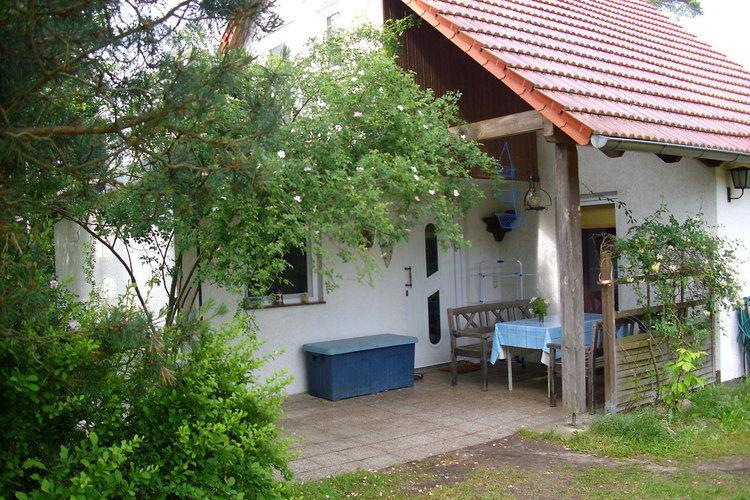 Vakantiewoning    Friedland-Kummerow  Vrijstaand huis op geheel omheind grondstuk nabij de Spree