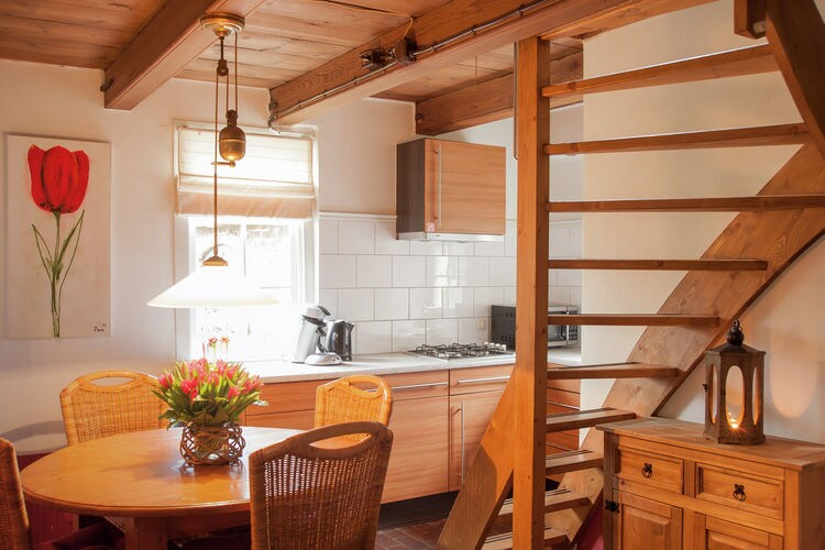 Holland | North Sea Coast South | Holiday home Het Luxe Boerenbed | all year | DiningRoom