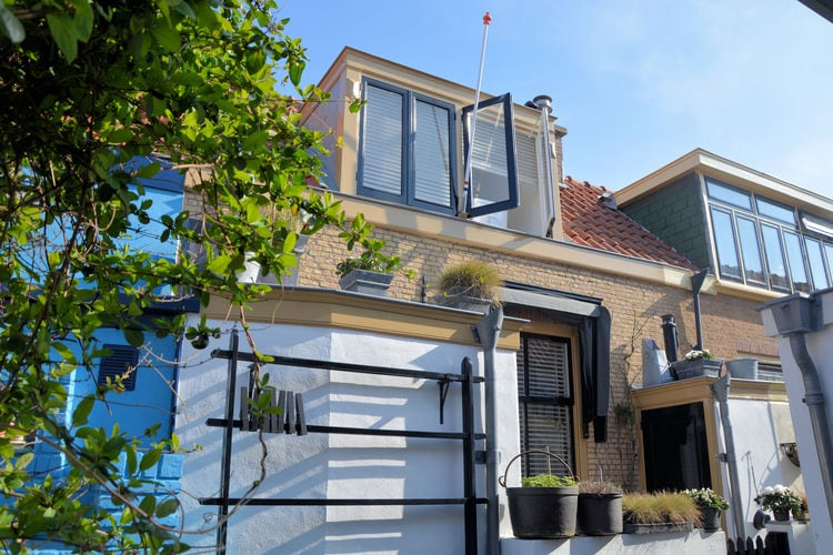 Scheveningen Vakantiewoningen te huur Karakteristiek vissershuisje nabij strand en zee met gratis privé parking