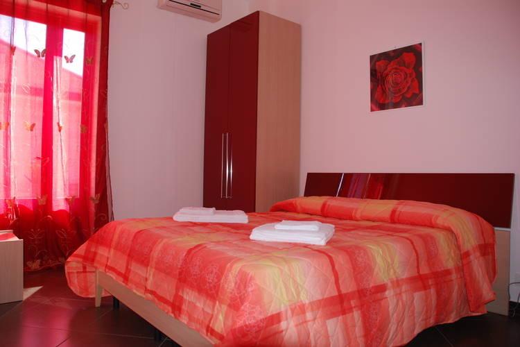 Ref: IT-97015-102 5 Bedrooms Price