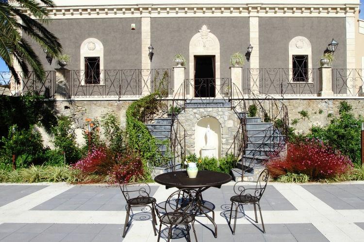 Italie / Sicilia | Villa met zwembad met wifi  - Centuripe  Vecchia Dimora Resort