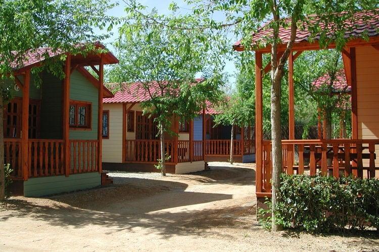 Spanje Chalets te huur Verzorgd ingericht chalet op gezellige camping met vele faciliteiten, slechts 200 m. van het strand