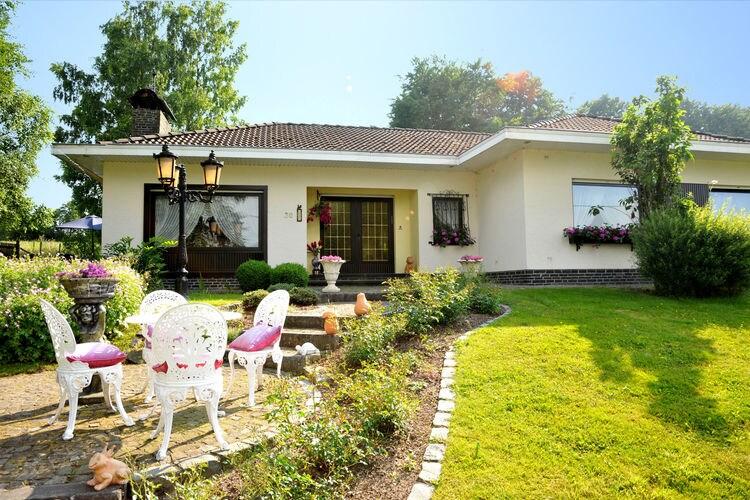 Amel Vakantiewoningen te huur Rustig gelegen villa met fitness, sauna, zonnebank, jacuzzi en massagedouches