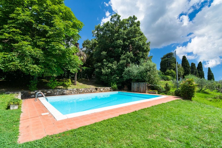 Italie | Toscana | Boerderij te huur in Carmignano met zwembad aan zee met wifi 4 personen