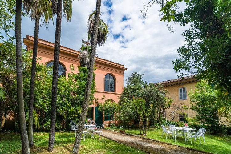 Boerderij met zwembad met wifi  ToscanaCasa La Fioraia