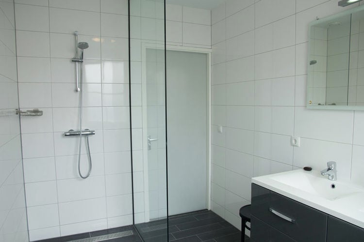 Holland | Zeeland | Holiday home De Eendracht | all year | BathRoom