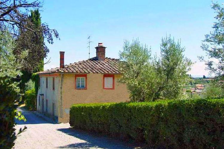 Carmignano Vakantiewoningen te huur Mooie woning met authentieke sfeer op wijnlandgoed op berg