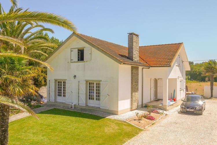 Villa huren in Centraal Portugal -   met wifi  voor 6 personen  Casa Oliveira ligt op wandelafstan..